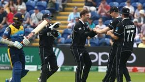 New Zealand's James Neesham (2R) celebrates after taking a catch to dismiss Sri Lanka's Jeevan Mendis (L) off the bowling of New Zealand's Lockie Ferguson (C) during the 2019 Cricket World Cup group stage match between New Zealand and Sri Lanka(AFP)