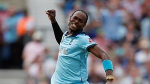 England's Jofra Archer celebrates the wicket of South Africa's Rassie van der Dussen(Action Images via Reuters)