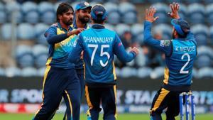 Sri Lanka's Nuwan Pradeep and team mates celebrate the wicket of Afghanistan's Hashmatullah Shahidi.(Action Images via Reuters)
