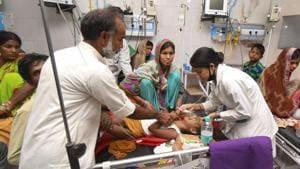 Children showing symptoms of Acute Encephalitis Syndrome (AES) undergoing treatment at Sri Krishna Medical College and Hospital (SKMCH), in Muzaffarpur, Monday, June 17, 2019.(PTI)