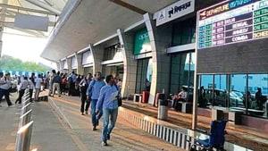 The Chhatrapati Shivaji Maharaj International Airport (CSMIA) recorded an 8.1% rise in international passenger traffic in 2018-19.(HT Photo)