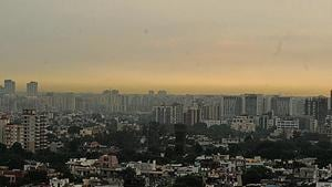 On Friday, the air quality index (AQI) reading of the city was recorded at 175 (moderate) by the CPCB's AQI monitor at Vikas Sadan in Sector 11.(HT Photo)