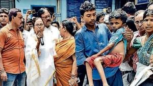 Bengal CM Mamata Banerjee addresses protesting doctors in Kolkata on June 13. The protests turned into a crisis for the Trinamool administration.(HT File)