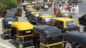 This comes after a four-member state-appointed Khatua panel, headed by retired IAS officer B C Khatua, in its October 2017 report recommended lowering the age limit of taxis and autorickshaws.(HT Photo)
