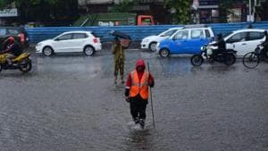 Tweeple shared videos and images showing the difficulties people faced during and after rainfall in Mumbai.(HT File Photo)