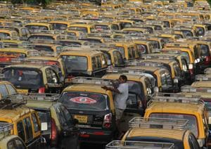 Decades ago, the city had 63,000 black-and-yellow taxis.(HT FILE)