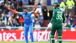 Vijay Shankar of India appeals successfully for the wicket of Imam ul Haq of Pakistan during the Group Stage match of the ICC Cricket World Cup 2019 between India and Pakistan at Old Trafford.(Getty Images)