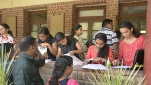 While the state increased the number of first year junior college seats, only 2.11 lakh students have applied for the courses, compared to last year's 2.31 lakh.(Sushil Kumar/HT PHOTO)