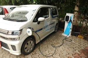 Currently, electric vehicles have a high upfront cost, but their operation cost is low. This makes them a perfect case for shared mobility and what better form of shared mobility than buses. Image used for representational purpose only.((Photo by Parveen Kumar/Hindustan Times))