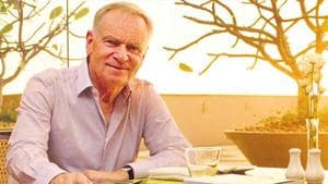 Pataudi was last among of old-fashioned amateurs: Jeffrey Archer