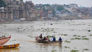 Varanasi district administration has decided to penalise those found dumping waste in river Ganga.(HT File Photo)