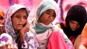 Anguri Begum, mother of Pehlu Khan sitting on Dharna demanding justice for Alwar victim, at Jatnar Mantar in New Delhi, India on Wednesday, April 19, 2017.(Sonu Mehta/HT PHOTO)