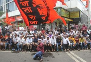 Maratha Kranti Morcha stages protest at Lalbaug.(HT PHOTO)