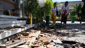 Death toll climbs to five after quake in eastern Indonesia