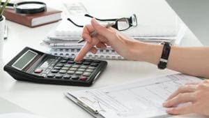 You should cross-check all your investment and withdrawals and the TDS details before filing your returns so that you don't miss out on any of the tax dues.(iStock Photo)