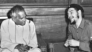 Ernesto Che Guevara with VK Krishna Menon on July 3, 1959.(HT archives)