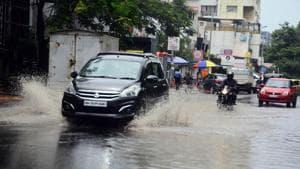 Heavy rains lashed the city on Saturday causing traffic congestions and waterlogging in different areas, including Mundhwa, Rasta peth, Sinhgad, Kharadi, Bibvewadi, Chinchwad, among others.(Shankar Narayan/HT PHOTO)
