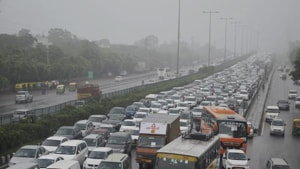 Traffic signals are to be reintroduced at three junctions on the Delhi-Gurgaon Expressway.(PTI image)