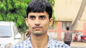 Cops fined Rs 10,000 for giving wrong info to Vyapam whistle-blower