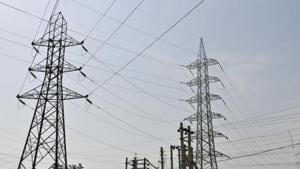 Delhi government's announcement that households that use up to 200 units of power a month will not have to pay for electricity means that his family can potentially save on power bills starting this month.(Photo by Abhinav Saha/Hindustan Times)