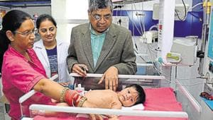A housewife gathered the local people and they rushed the baby to the district headquarters hospital. The baby is believed to be stable, according to doctors. (Image used for representational purpose).(HT PHOTO.)