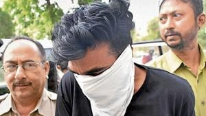Jammu and Kashmir resident Tariq Ahmed Lone being produced in an Amritsar court.(HT File)