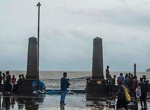 Parsi gate at Marine Drive in Mumbai .(Pratik Chorge/HT Photo)