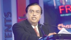 Addressing the 42nd Annual General Meeting of the RIL, Ambani said that Aramco would supply 500,000 barrels per day of crude oil to Reliance refineries. He termed it as the India's largest foreign direct investment deal.(Mint file photo)