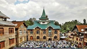 Kashmiris attend Eid-al-Adha prayers at a mosque during restrictions after the scrapping of the special constitutional status for Kashmir by the Indian government, in Srinagar on Monday.(Reuters photo)