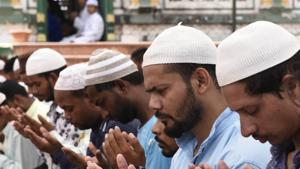 The district officials had been asked to hold meeting with clerics and mosque administrations to sensitize them on how namaaz on roads interrupted smooth traffic flow and caused other problems.(HT PHOTO (Representational image))