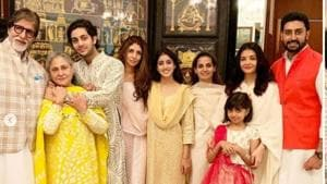 Amitabh and Jaya Bachchan, their children Abhishek and Shweta, daughter-in-law Aishwarya and grand daughter Aaradhya pose for a picture.