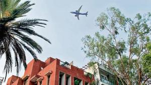 In Vasant Vihar, planes descend so close that you can identify the airline's logo.(HT Photo)