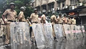 The Mumbai police have detained a few prominent MNS activists as a precautionary measure. A large number of police personnel have been deployed in the city and neighbouring Thane to ensure that there is no law and order problem.(SANTOSH HARHARE/ HT PHOTO.)