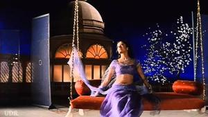 Aishwarya Rai Bachchan in a still from Hum Dil De Chuke Sanam's song Chand Chhupa Badal Me. Over the decades, the Hindi film songwriter's imagination has been to the Moon and back only a few hundred times.(YouTube)