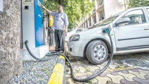 India wants its automobile industry to progressively shift to electric vehicles as part of its strategy to fulfil its climate change commitments.(Mint file)