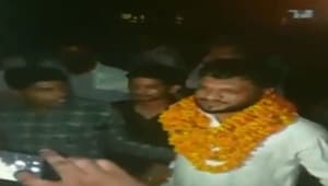 Bulandshahr violence accused was given a hero's welcome on his release from jail on Saturday.(ANI Twitter (Screengrab))