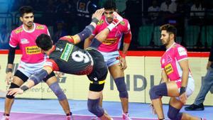Bengaluru Bulls beat league toppers Jaipur Pink Panthers 41-30.(PKL)