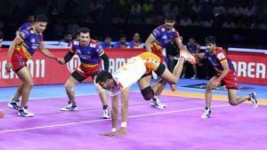 U.P. Yoddha and Puneri Paltan in action.(PKL)