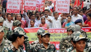 The talks were held on Saturday, two months after the union held a relay hunger strike protesting against disparity in the perks offered to executives and workers.(HT image)