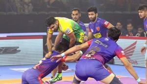 Dabang Delhi beat Patna Pirates 38-35(Pro Kabaddi League)