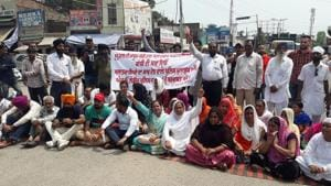 Kin of minor rape survivor claim that the police did not arrest the accused even after registering a first information report under the sections of kidnapping and rape against him.(HT Photo)