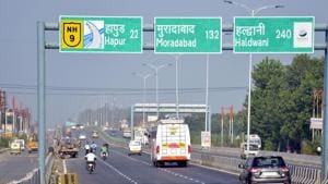 Officials said the delay in completion of phase 3 of Delhi-Meerut Expressway was caused by some restrictions following directions of the National Green Tribunal(NGT) and rains among other factors.(Sakib Ali / HT Photo)