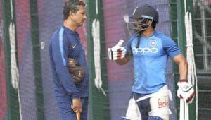 India's Kedar Jadhav, right, talks to batting coach Sanjay Bangar(AP)