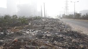 Narrowing the plan further, the agencies have been asked to concentrate their anti-pollution measures in an area of four square kilometre (2 km x 2 km) around each air quality monitoring station in the 13 hotspots. (Representative Image)(Yogendra Kumar/HT PHOTO)