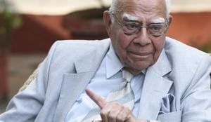 Ram Jethmalani is survived by his son, noted lawyer Mahesh Jethmalani and a daughter based in the US. His other daughter Rani Jethmalani died a few years ago.(HT FILE Photo)