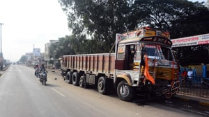The truck was slapped a penalty of Rs 20,000 for overloading with an additional fine of(HT image)