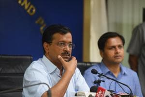 Delhi Chief Minister Arvind Kejriwal announced return of Odd-Even vehicle scheme during a press meet on Friday(HT Photo)