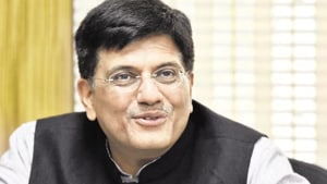 The action plan will be submitted to Goyal's office before being implemented at Ghatkopar and Andheri railway stations. Lok Sabha MP from Mumbai North East constituency, Manoj Kotak, had raised the issue with Goyal.(HT image)