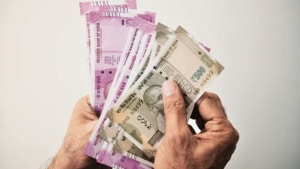 The commission has directed the builder to complete construction by December 31, 2021 and pay interest at the rate of 8% per annum on Rs 1.25 crore from October 2013.(HT image)