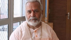 Swami Chinmayanand has been booked under section 376 C (sexual intercourse by a person in authority), 354 D (stalking), 342 (wrongful confinement) and 506 (criminal intimidation) according to the SIT.(HT image)